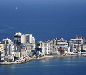 Imagen aérea de la ciudad de Calpe, en Alicante. (Foto: REUTERS)