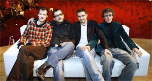 Andreu Buenafuente junto algunos colaboradores del programa. (Foto: Begoña Rivas)