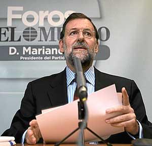 El presidente del PP, Mariano Rajoy, en el foro de El Mundo. (Foto: Antonio Heredia)