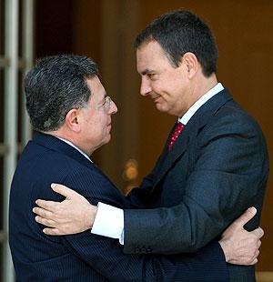Rodríguez Zapatero y Siniora, en La Moncloa. (Foto: EFE)
