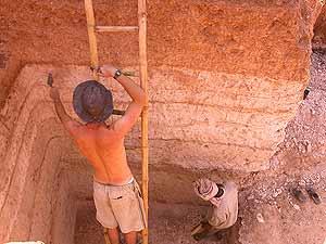 Imagen de la excavación y los distintos estratos de cenizas. (Foto: Science)