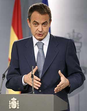 Zapatero, durante la comparecencia. VEA EL VÍDEO. (EFE)