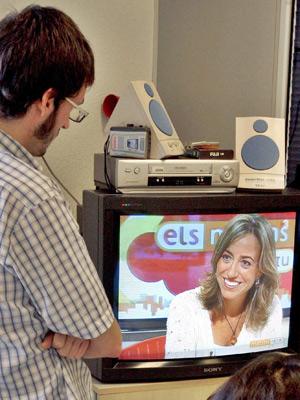 Chacón estaba siendo entrevistada en TV3 en el momento de su nombramiento. (Foto: EFE)