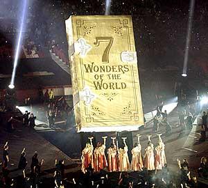 Un momento del espectáculo previo a la proclamación de las ganadoras. (Foto: EFE)