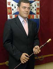 El nuevo alcalde de Leganés, tras tomar posesión. (EFE)