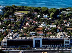 Vista general del hotel Guadalpín. (Foto: EL MUNDO)