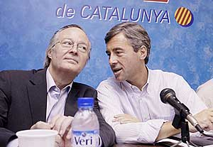 Josep Piqué (izda.), junto a Ángel Acebes. (Foto: Laurent Sansen)