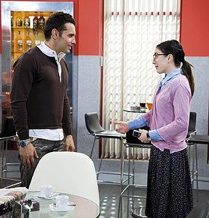 Fotograma del episodio de 'Yo soy Bea' donde hizo el cameo Jesús Vázquez. (Foto: TELECINCO)