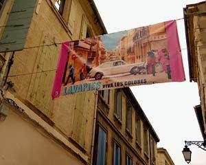 Cartel de la exposición ubicado en el barrio arlesiano de La Roquette. (Foto: Alfredo Merino)