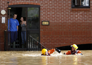 Las inundaciones en Evesham, al centro de Inglaterra. (Foto: REUTERS)