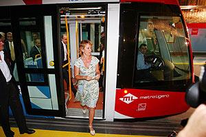 La presidenta de la Comunidad, Esperanza Aguirre, durante la inauguración del Metro Oeste. (EFE)