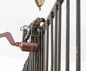 Construcción del muro (Foto: AFP)