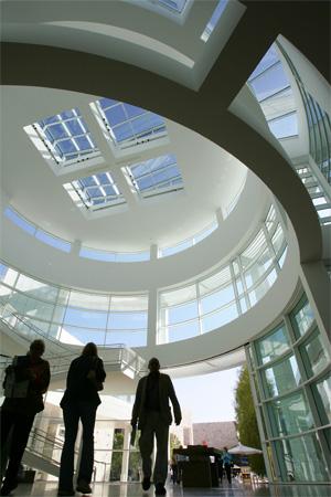 La entrada del Museo Getty de Los Ángeles (Estados Unidos). (Foto: AFP)
