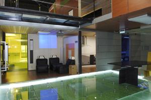 Se han utilizado una alta variedad de vidrios decorativos y de alto valor añadido. (Foto: Luis de Garrido)