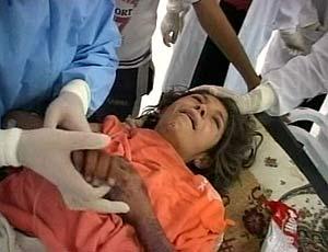 Una de las heridas de los atentados es atendida en un hospital cercano. (Foto: REUTERS)