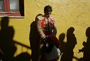José Tomás antes de hacer el paseíllo en un festejo reciente en Ávila. (Foto: ANTONIO HEREDIA)