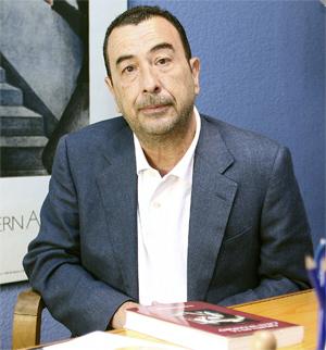 José Luis Garci dirigirá una película sobre el levantamiento del 2 de mayo. (Foto: DIEGO SINOVA)