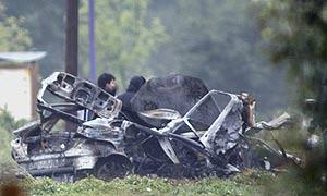 El coche explosionado después en Amorebieta. (Foto: AP)
