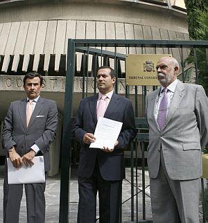 La representantes de la CAM llevan el recurso de inconstitucional al TC. (Foto: EFE)