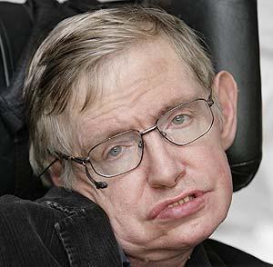El astrofísico británico Stephen Hawking, que desde hace años padece una enfermedad degenerativa (Foto: AFP)