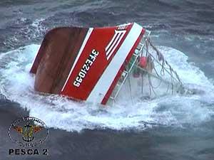El 'Siempre Casina', naufragado en febrero de 2005 en la costa de Ribadeo (Lugo).