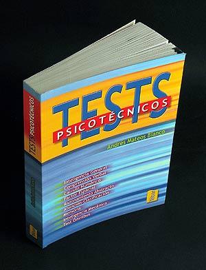 Imagen de un libro de tests psicotécnicos. (Foto: José María Presas)