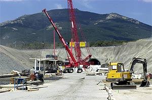 Obras en el túnel de Guadarrama. (Foto: EFE)