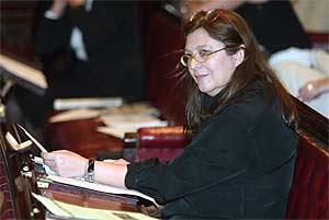 Rosa León en un pleno del Ayuntamiento de Madrid. (Foto: Javi Martínez)