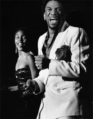 Bobby Byrd y Carleen Anderson. (Foto: David Corio)