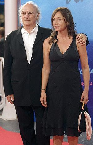 Carlos Saura y su pareja, Eulalia Ramón, en el Festival de San Sebastián. (Foto: EFE)