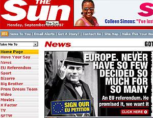 Gordon Brown caracterizado como Churchill y haciendo un gesto obsceno en la web de 'The Sun'.