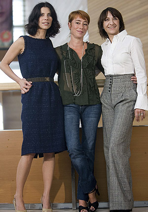 Maribel Verdú, Gracia Querejeta y Blanca Portillo, tras la proyección. (Foto: EFE)