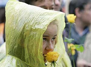 Una de las manifestantes de Bruselas. (Foto: REUTERS)