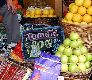 Tomates en una tienda en Argentina.