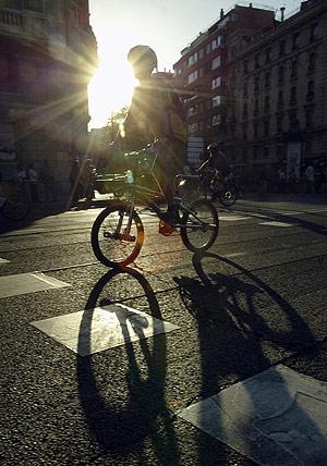 Un ciclista, en la fiesta de una edición anterior. (Foto: Antonio Heredia)
