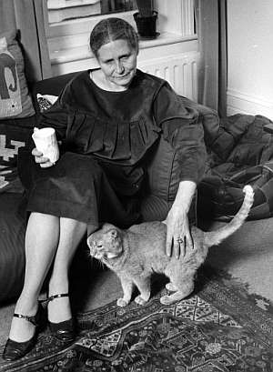 Lessing, en su casa de Londres en octubre de 1984. (Foto: AP)