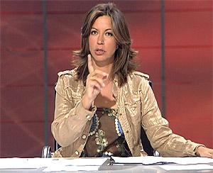 Àngels Barceló, presentando un programa en Cuatro. (Foto: Cuatro)