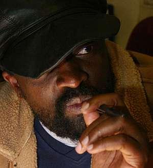 El cantante, en los estudios Downtown de Johannesburg en junio de 2006. (Foto: AFP)