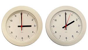 El domingo de madrugada, todos los ciudadanos de la Unión Europea tendremos que retrasar una hora nuestros relojes. (EFE)