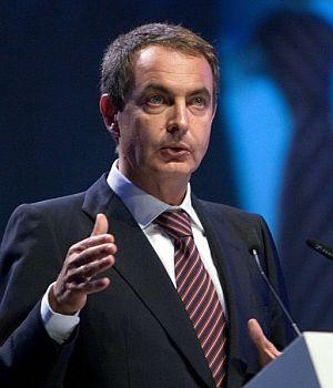 Zapatero, durante su intervención. (Foto: EFE)