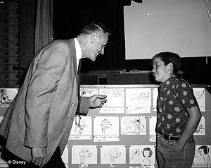 El director, 'Woolie' Reitherman, y su hijo Bruce, Mowgli. (Foto: Disney)