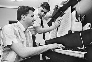 Los Sherman, en la época en la que compusieron las canciones. (Foto: Disney)