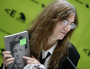 Patti Smith, durante la presentación en Madrid de la exposición sobre Rimbaud. (Foto: EFE)