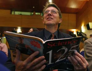 Andrew Sugden, jefe de la edición internacional de la revista 'Science', en Oviedo. (Foto: Eloy
