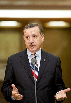 Erdogan, durante su presencia en Rumanía, este viernes. (Foto: EFE)