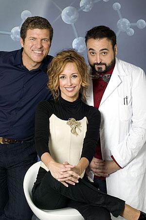 Los presentadores de 'Clever'. (Foto: Teresa Peyri - Telecinco)