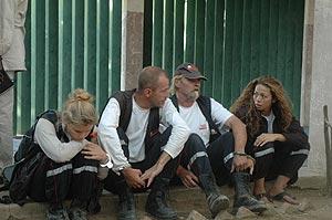 Miembros de la ONG francesa 'El arca de Zoe' detenidos en Chad. (Foto: AP)