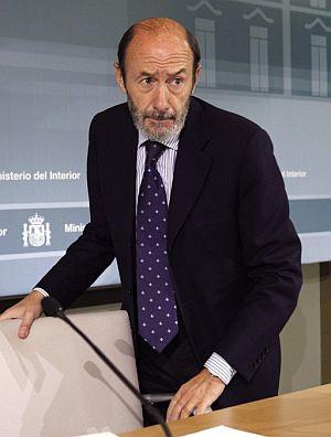 Rubalcaba, durante la rueda de prensa. (Foto: EFE)