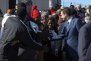 El presidente del Gobierno, José Luis Rodríguez Zapatero, durante la visita a Melilla que realizó en febrero de 2006. (Foto: Begoña Rivas)