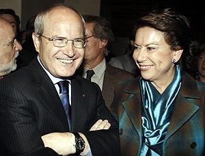 Magdalena Álvarez junto al presidente de la Generalitat, José ontilla. (Foto: EFE)